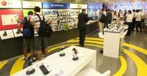 turkcell magaza 300x155 - Kredi Kartsız Cep Telefonu Satan Mağazalar (Elden Taksit)