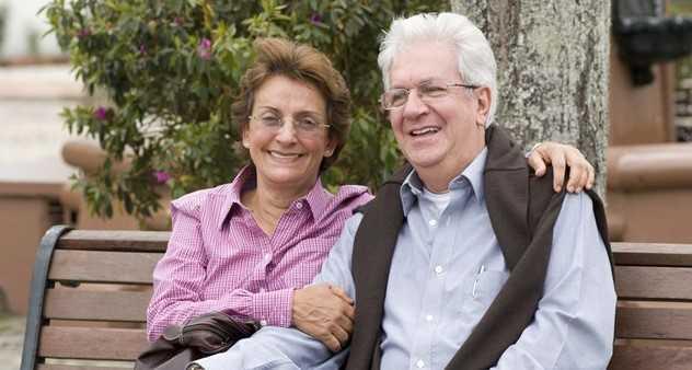 Kredi Kartı Almak İçin Eşiniz Üzerinden Başvuruda Bulunabilirsiniz - Ev Hanımlarına Kredi Kartı Veren 8 Banka ve Şartları (Güncel)